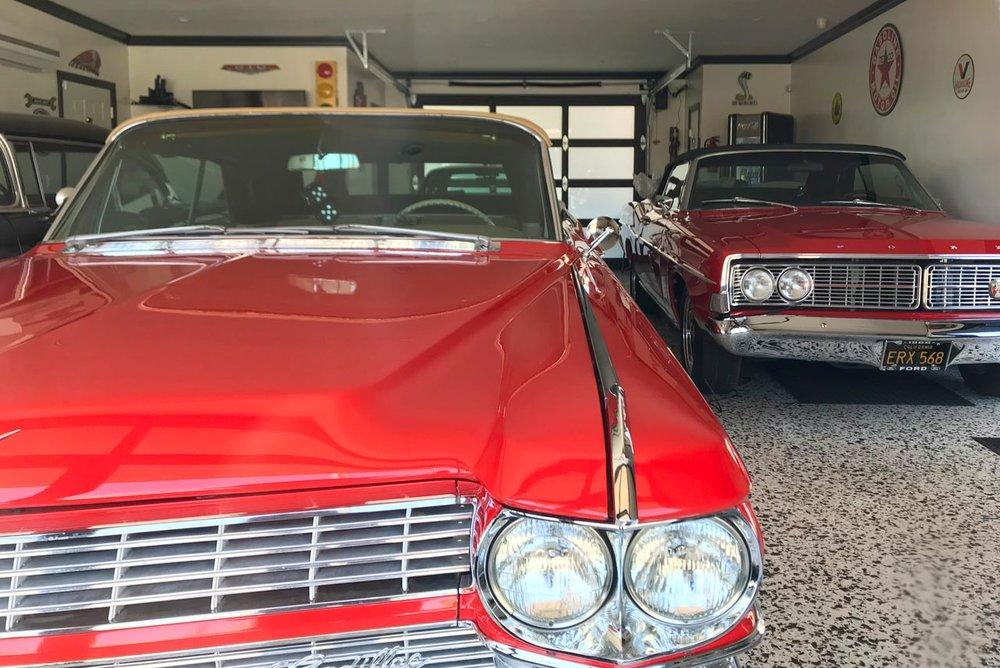 red_cars_interior.jpg