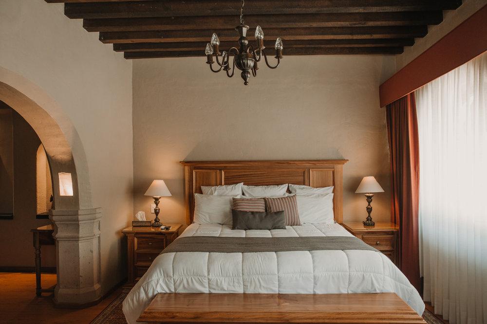 Máster Suite - Habitación con jacuzzi privado, para una velada exclusiva y relajante.