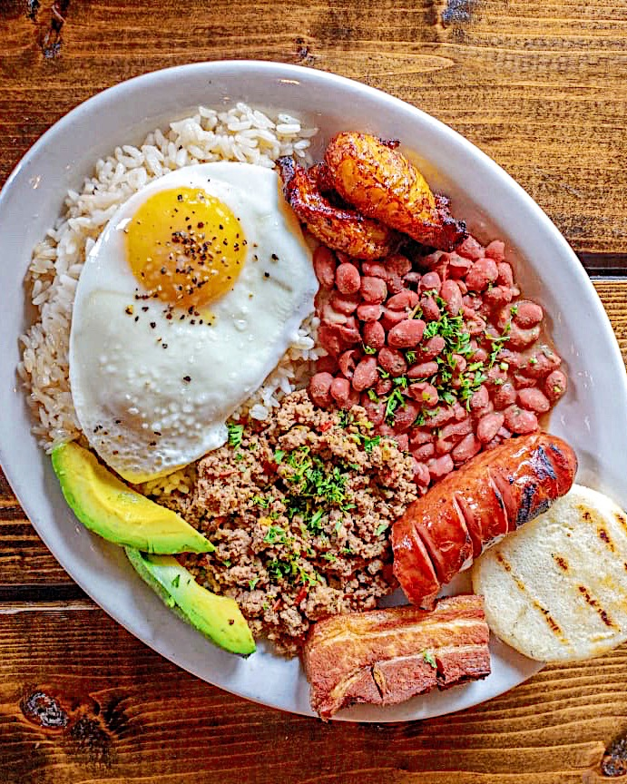 BANDEJA PAISA (COLOMBIAN TRADITIONAL DISH)