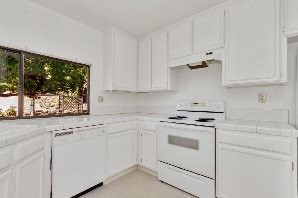 180 E Seaview Dr Benicia CA-print-010-11-Kitchen 3a-4200x2795-300dpi.jpg