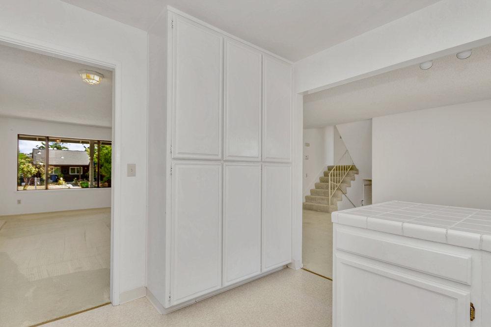 180 E Seaview Dr Benicia CA-print-012-26-Kitchen 6a-4200x2799-300dpi.jpg