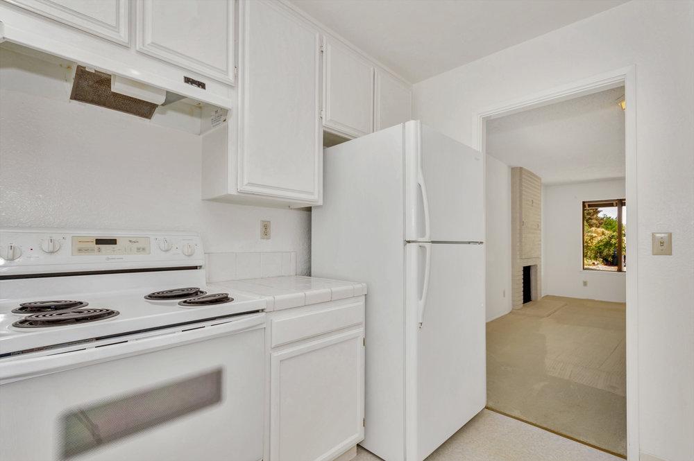 180 E Seaview Dr Benicia CA-print-011-10-Kitchen 5a-4200x2795-300dpi.jpg
