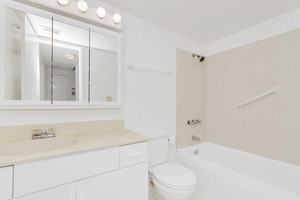 180 E Seaview Dr Benicia CA-print-021-1-Third Bathroom-4200x2800-300dpi.jpg