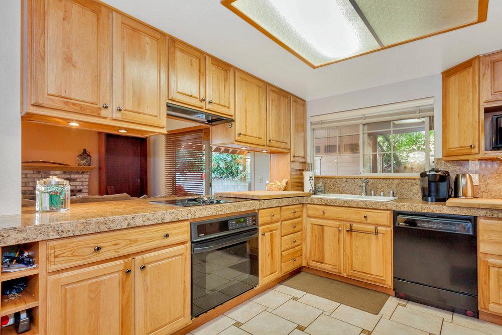 1302 W 13th St Benicia CA-large-010-26-Kitchen 1-1500x1000-72dpi.jpg
