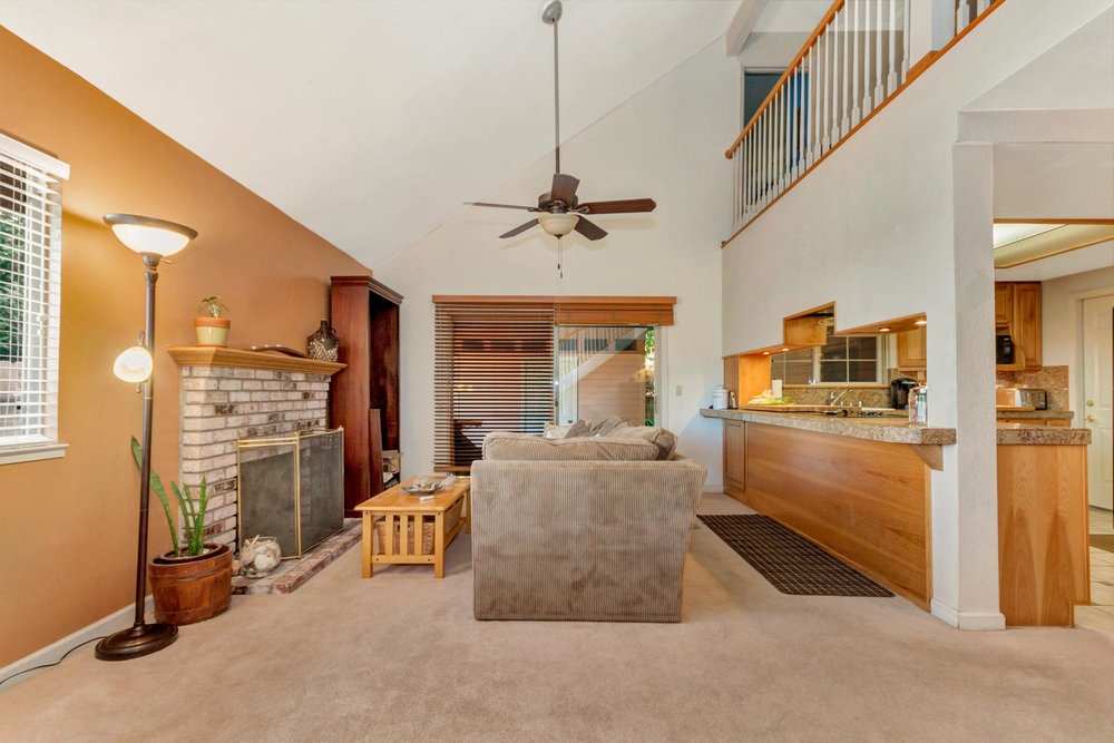 1302 W 13th St Benicia CA-large-014-1-Family Room 1a-1500x1000-72dpi.jpg