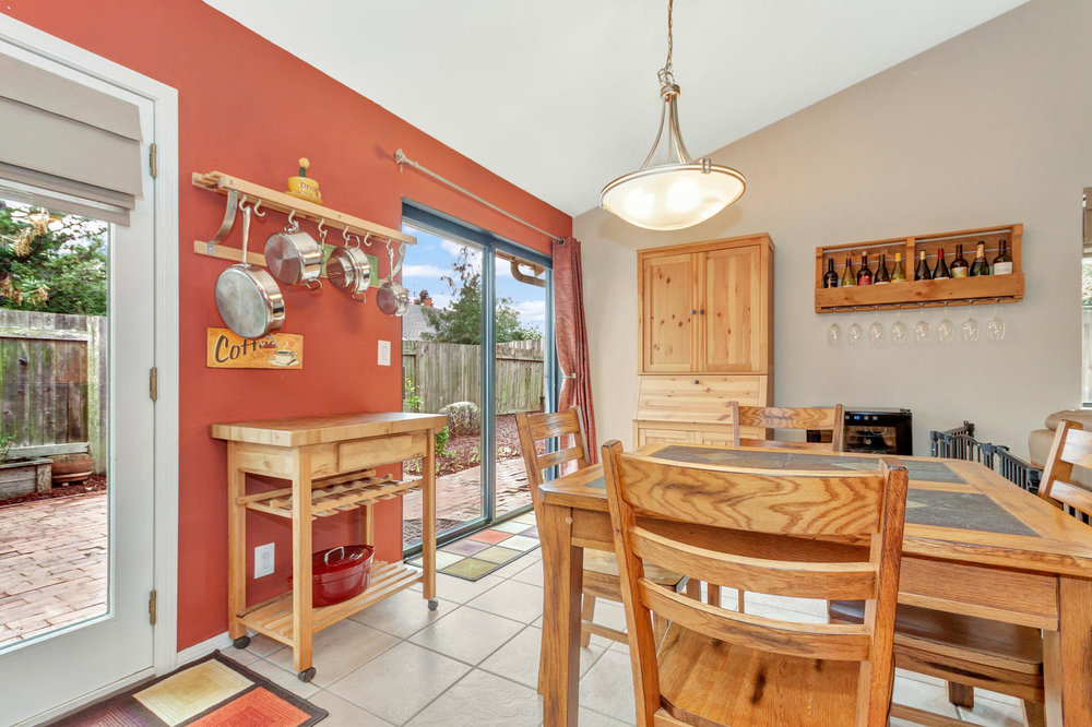 530 Laurel Ct Benicia CA 94510-large-010-8-Dining Room 3a-1500x999-72dpi.jpg
