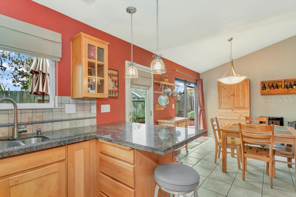 530 Laurel Ct Benicia CA 94510-large-012-11-Kitchen 2a-1500x1000-72dpi.jpg
