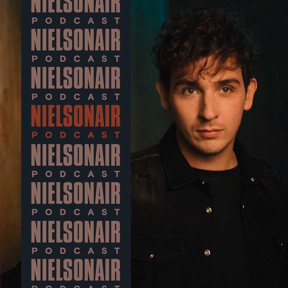 NielsonAir(Sony Music) - Nielson gaat langs bij mensen die zich in hun gebied op een bepaalde manier opnieuw hebben uitgevonden. Aan de hand van het thema van zijn nieuwste nummer bespreekt hij hoe zij dit hebben gedaan.