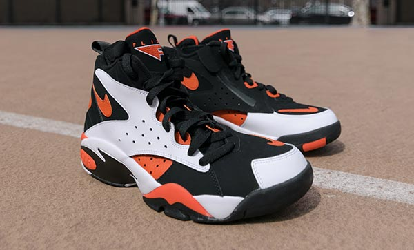Nike Air Maestro  Taking style cues from a classic basketball profile, the Nike Air Maestro II LTD Men's Shoe is a throwback with early '90s inspiration. The high-top profile provides excellent support while a Nike Air unit in the heel delivers soft cushioning.    Discount : $34