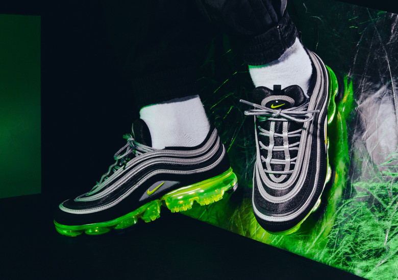 The Nike Air Max 97 shook up the running world with its revolutionary full-length Nike Air unit. The Nike Air Max 97 SE Women's Shoe refreshes the original design with new colors and materials.  Shown: Sail/Volt Glow/Arctic Pink Style: AQ4137-101