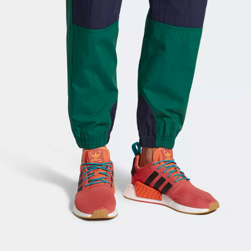 NMD_R2_Summer_Shoes_Orange_CQ3081_02_hover_frv.png