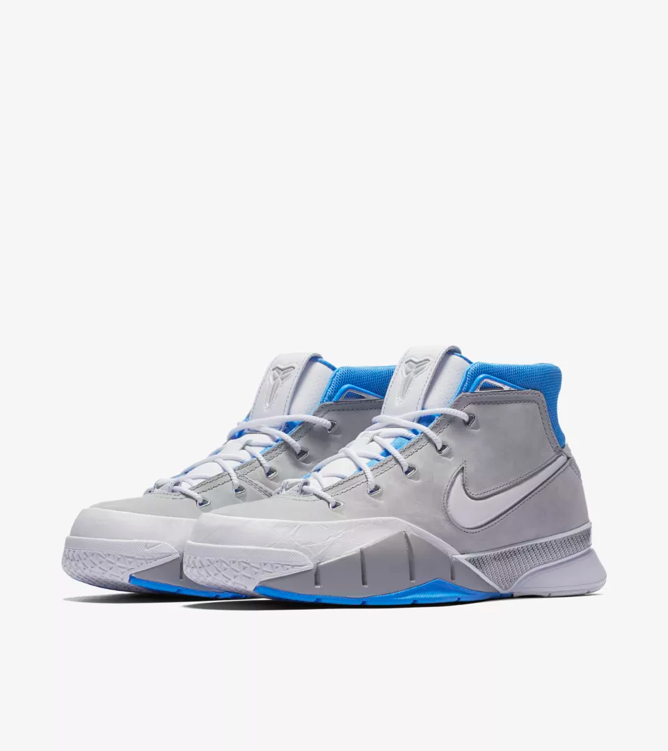 """Before the dynasties of purple and gold, there were legacies of powder blue and yellow. For Kobe and his undying pursuit of perfection and innovation, reimagining the past has always been essential to defining the future. In exploring the concept of origins, the Kobe 1 Protro """"MPLS"""" highlights the original roots of the only team he ever played for."""