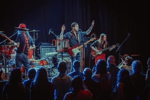 Iron Vessel Nashville live.jpg