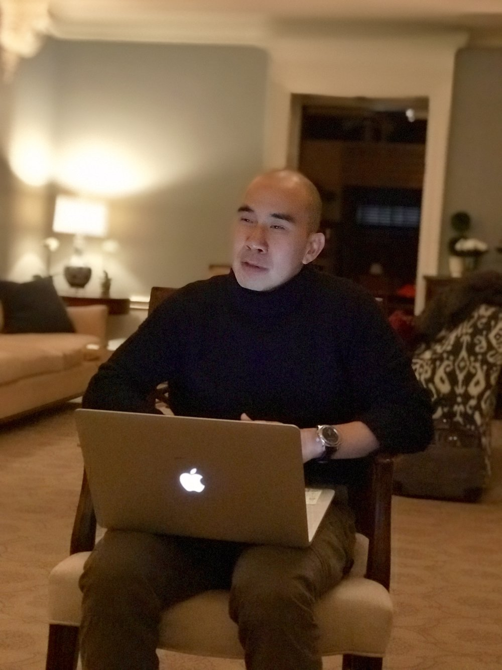 Web designer Li Wang teaches you how to get your personal brand website up in one day, no coding required.