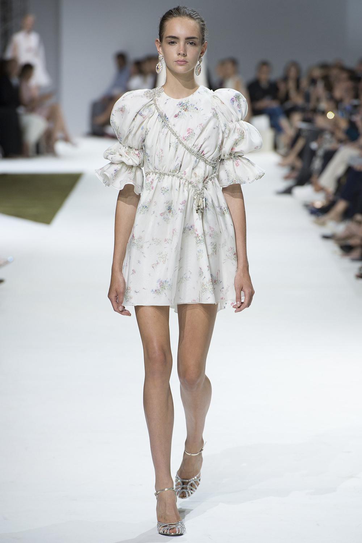 Giambattista Valli Fall 2016 Couture, @Yannis Vlamos