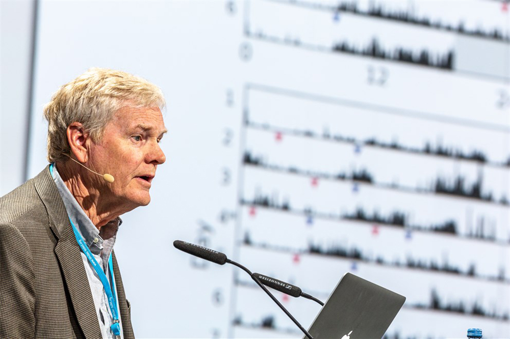 Michael W. Young delivering his lecture on 'Circadian Rhythms and Their Impact on Physiology and Behavior' Photo courtesy of Lindau Nobel Laureate Meetings