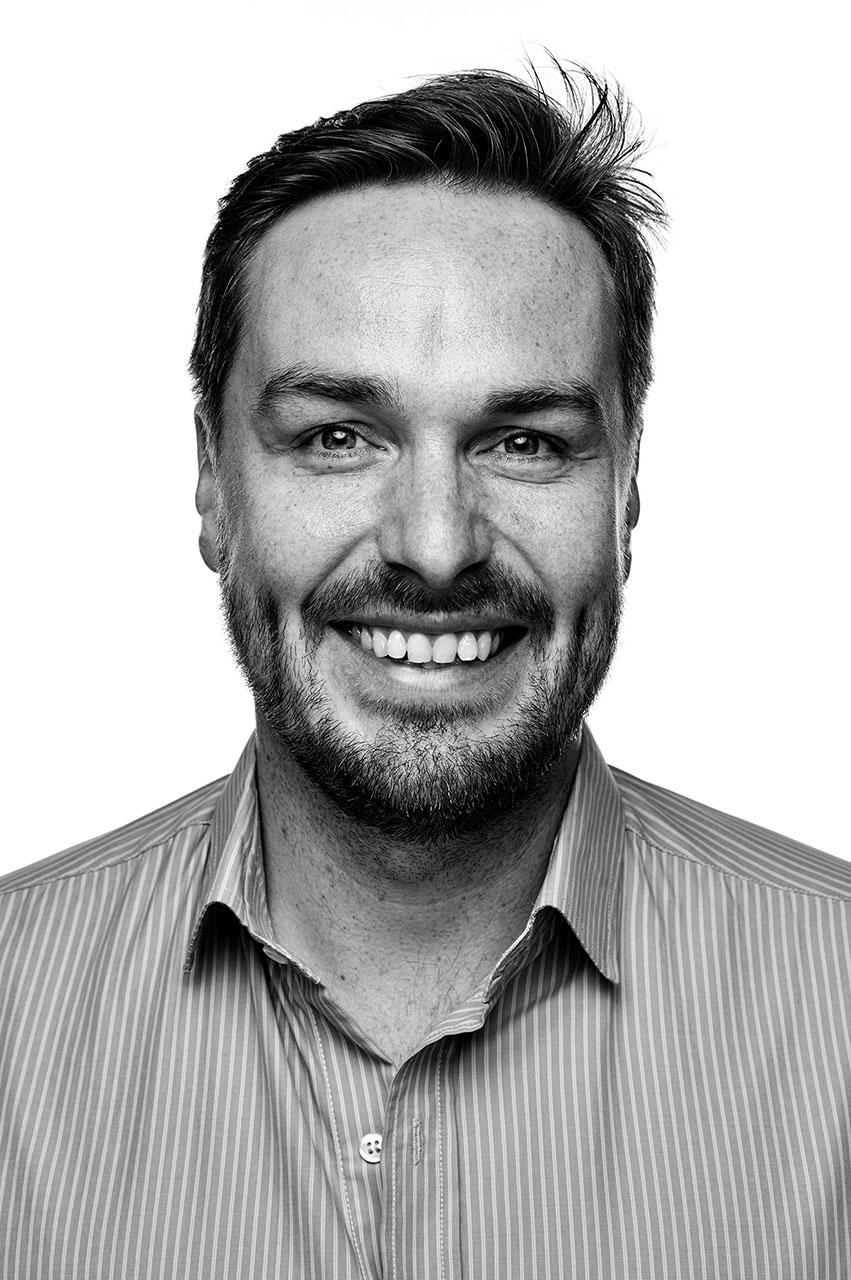 MICHAEL ALBRECHT - Co-Founder und Virtual-Reality-Evangelist seit dem ersten Tag. Expert in interdisziplinären technischen Lösungen für immersive VR-Experiences. 12 Jahre Berufserfahrung in Audio-Produktion von internationalen TV-Werbung Werbe. Komponist, Tonmeister, Produzent für Marken wie Hugo Boss, Red Bull, Pantene Pro V, Deichmann, Schüco, Sensation White.MAIL HIM