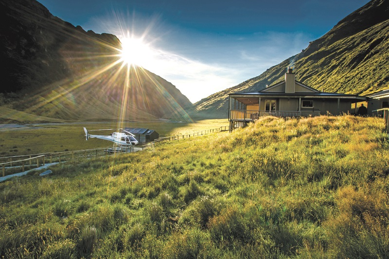 Minaret-heli-shot-at-lodge-rsz.jpg