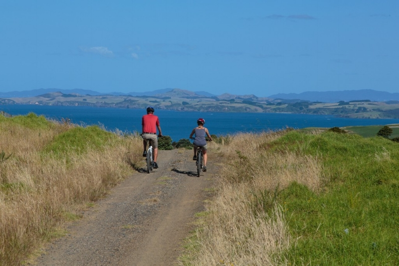 Kauri Cliffs cycling.jpg