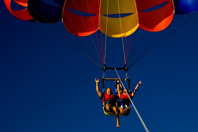 EN - parasailing.jpg