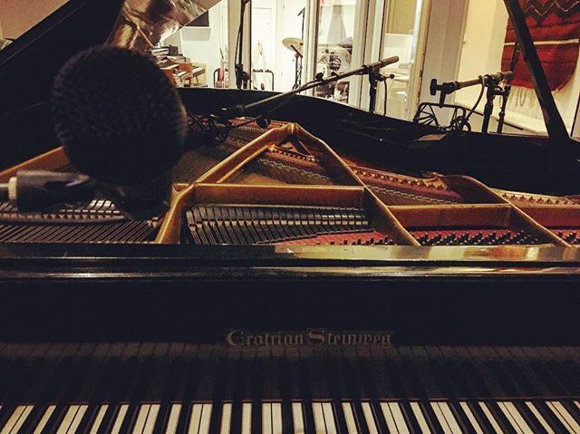 Album recording at @subfranticrecordings 🎹🎙🎸🥁 @jonenocreate @alexander.s.archer @lukejtom @olivercmason