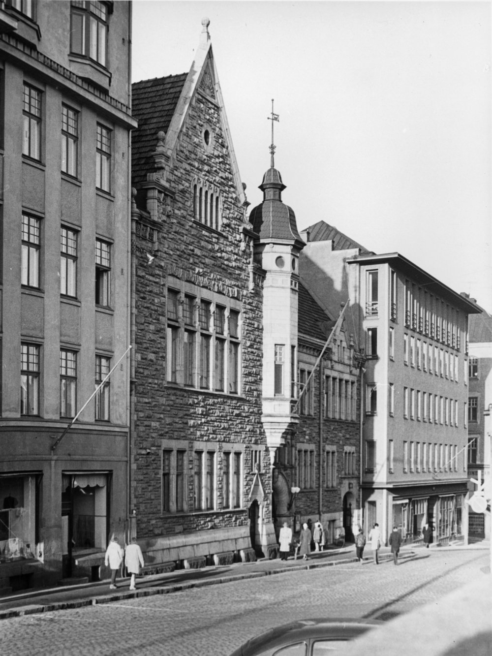 The oldest student union house in Finland, the house of Nylands Nation on Kasarmikatu, was completed in 1901. Nylands Nation, founded in 1643, is among the oldest student nations in Finland itself.  Photo: Helsinki City Museum, Constantin Grünberg.