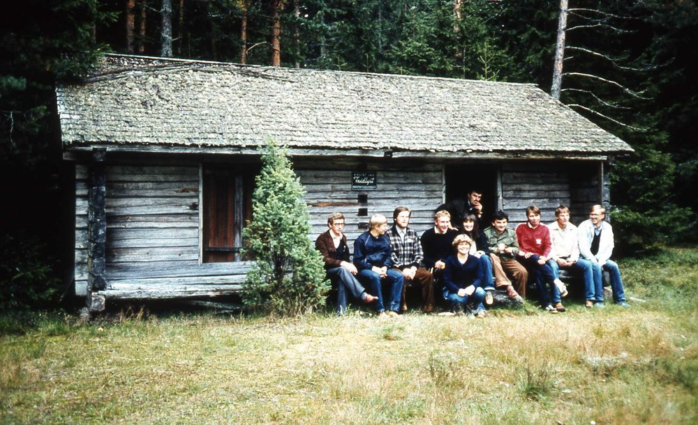HYY used to visit other universities in the summer and host visitors in turn, but this tradition has waned over the years. In the 1980's, HYY traveled to Porvoo.  Photo: HYY's archives (1980's)