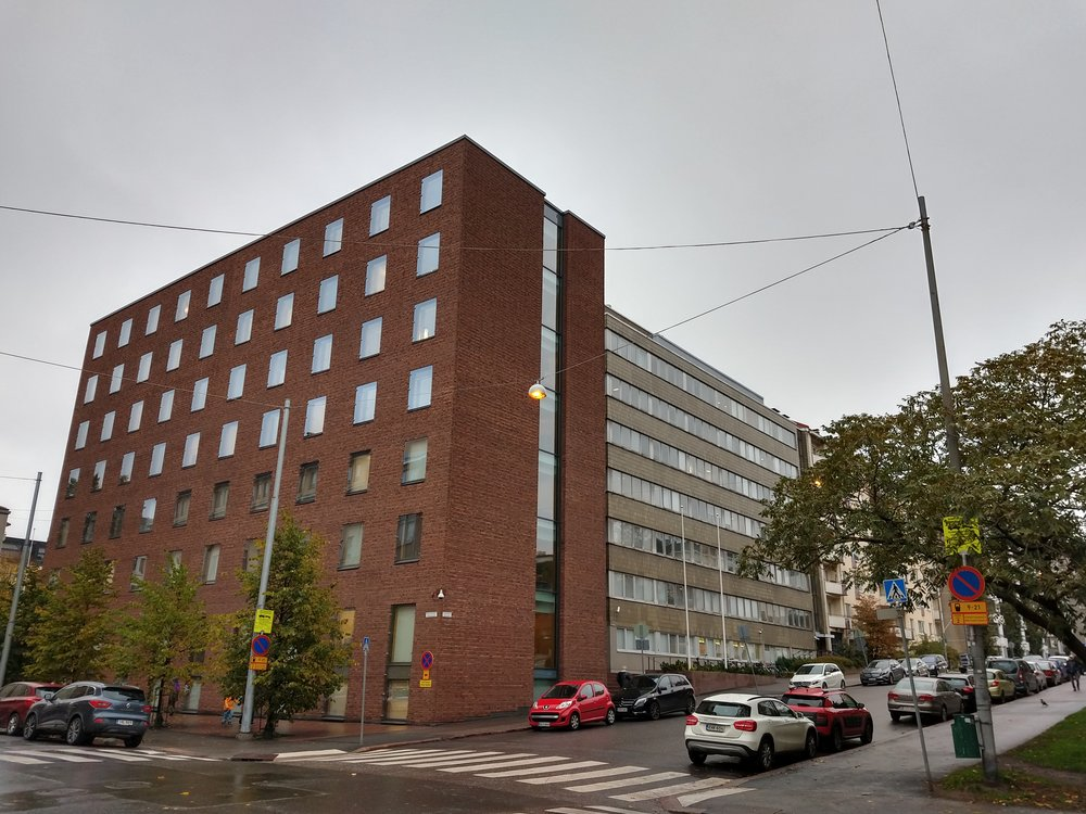 One of the FSHS's units is located on Töölönkatu. The building, completed in 1971, also functions as the foundation's administrative centre and the home of the Piikki magazine's editorial staff.  Photo: Ahto Harmo (2018)