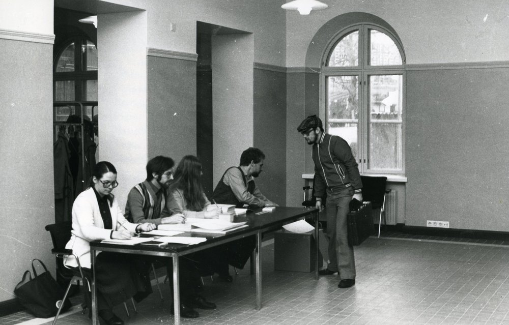 Photo: Voter at the Old Student House in 1979. HYY's Archives.
