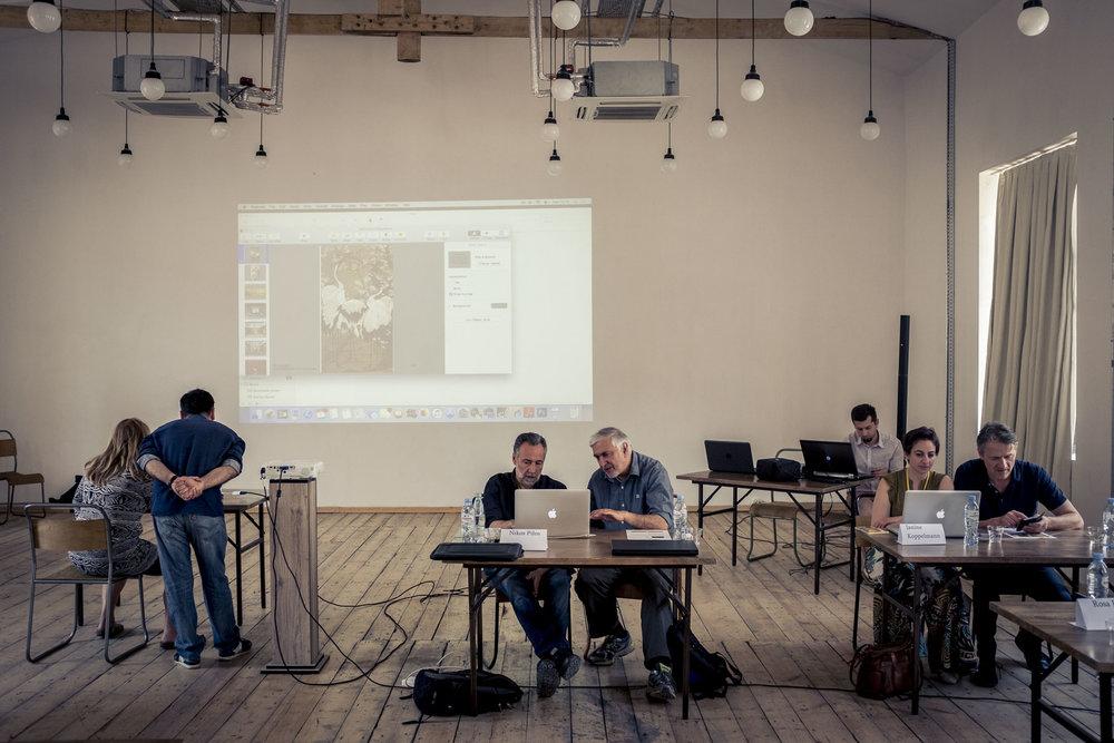 Portfolio Reviews im Fabrika Komplex