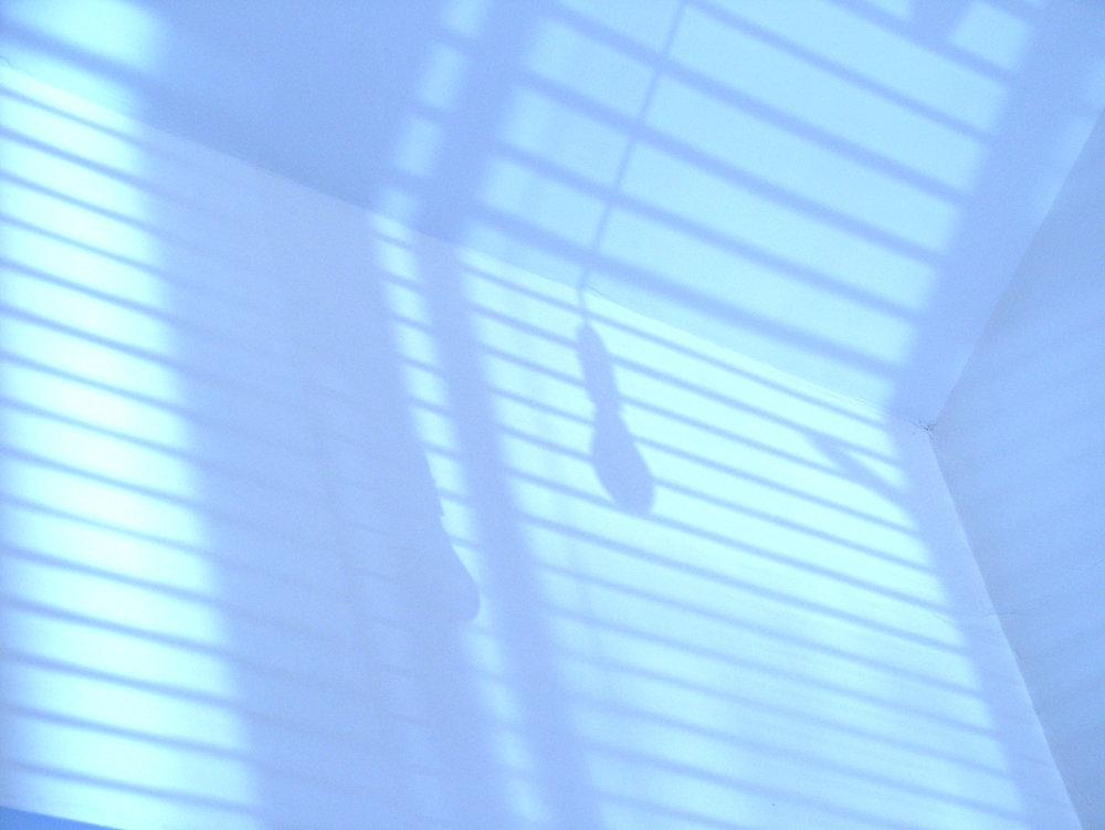 bulb-shadow-1-1507476.jpg