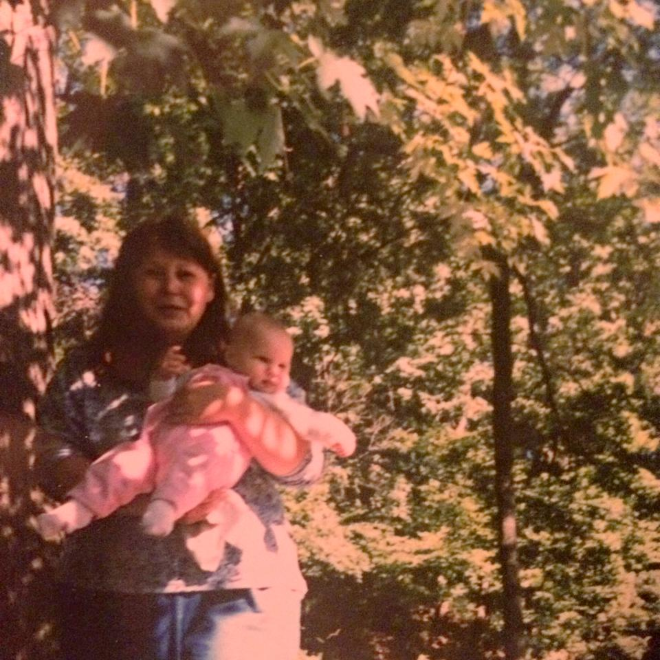 Tiny Jess Kin with her mother (1995)