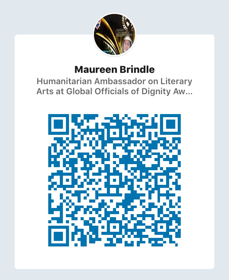 Click or scan with your LinkedIn App to start a conversation with Maureen.