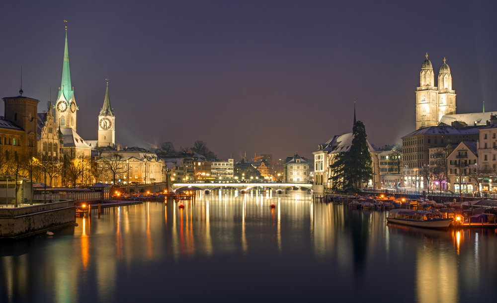 panorama-of-zurich-at-night-P5S5K35.jpg