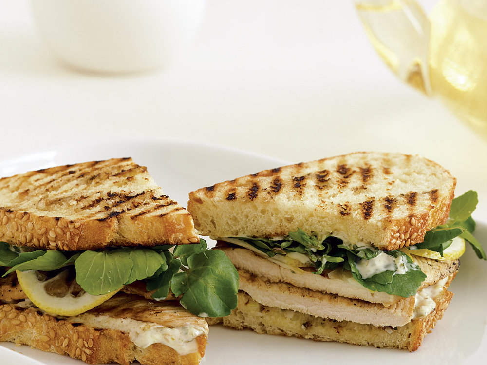 Order: Grilled Chicken Sandwich    4 17 calories per 1/2 lb, 18 grams of fat and 0 grams of carbohydrates