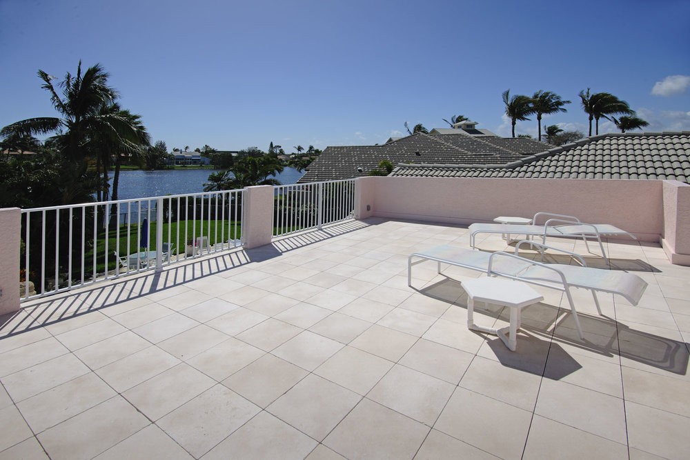 Lake View Balcony