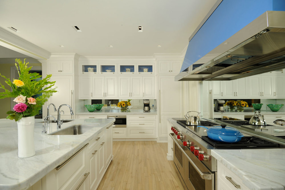 Caribbean Colonial Home, Classic Edwardian Hamptons Kitchen