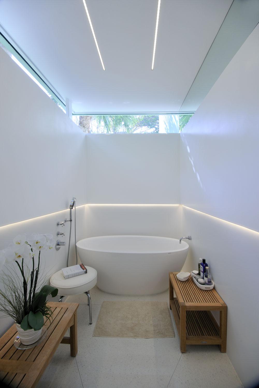 modern-bath.jpg
