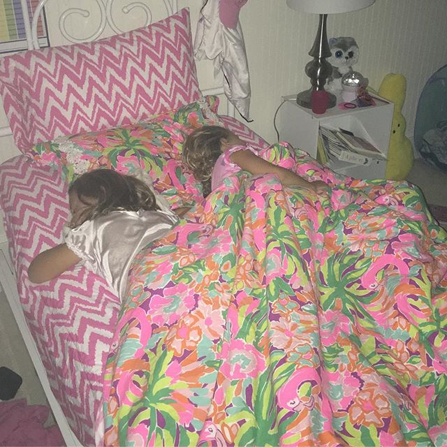 Went to check on the kids and found the two little girls sleeping in Jordie's twin bed.  Twin stepsisters 4 eva