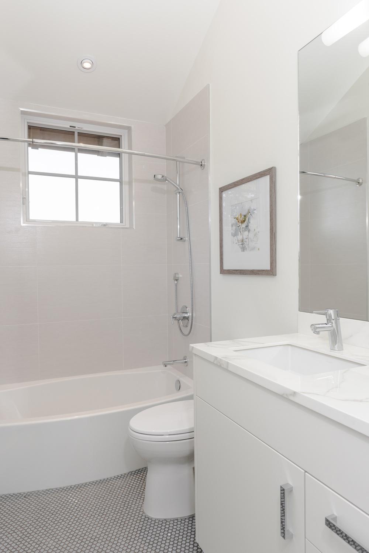 RL-Bathroom-3.jpg
