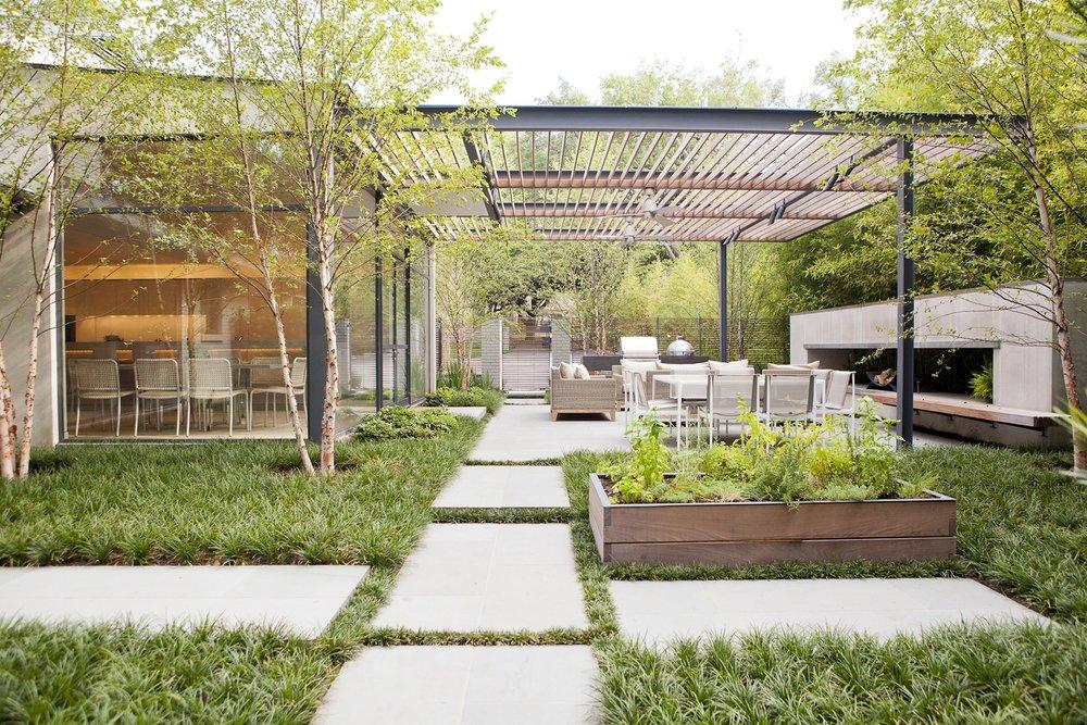 Contemporary-indoor-outdoor-living-space.jpg