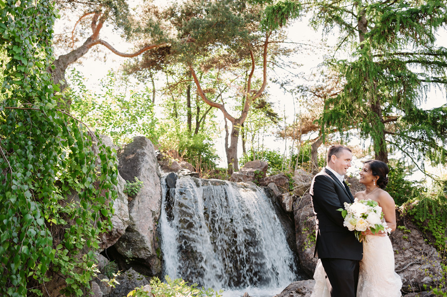 Wedding at Chicago Botanical Garden by Two Birds Photography 15