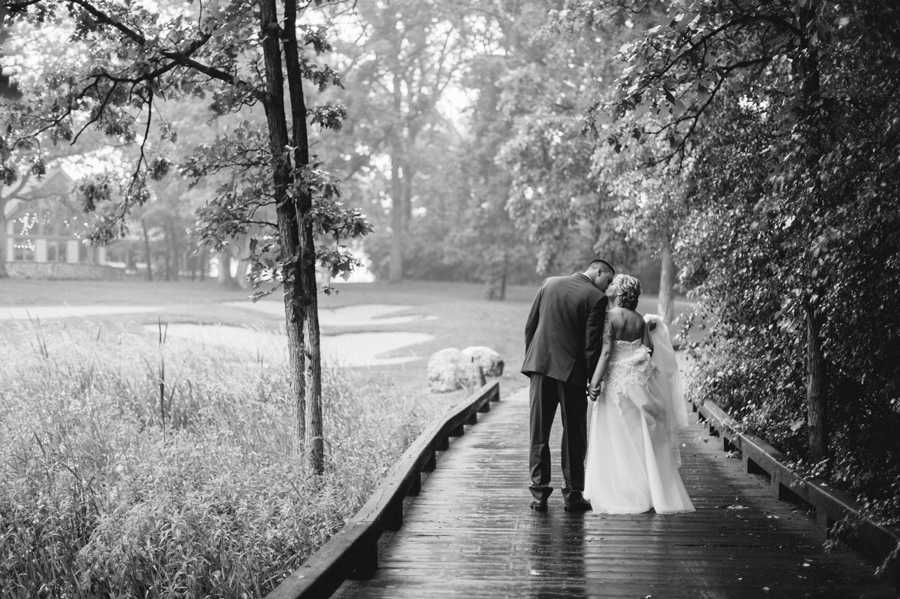 Blue and Gold Illinois Wedding at the Thunderhead Golf Club by Two Birds Photography 15