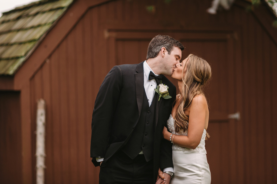 Two Birds Photography Autumn Illinois Wedding at Blumen Gardens20