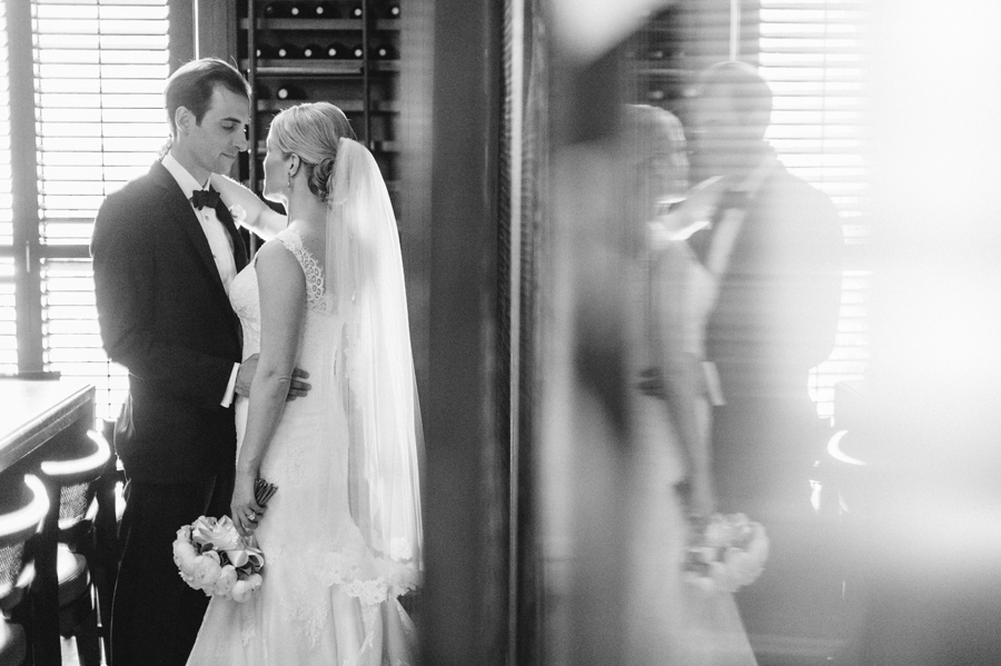 Classic Black Tie Wedding at the Racquet Club of Chicago by Two Birds Photography014
