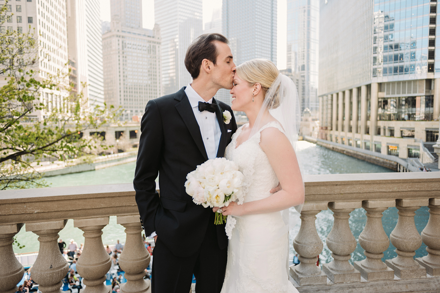 Classic Black Tie Wedding at the Racquet Club of Chicago by Two Birds Photography016