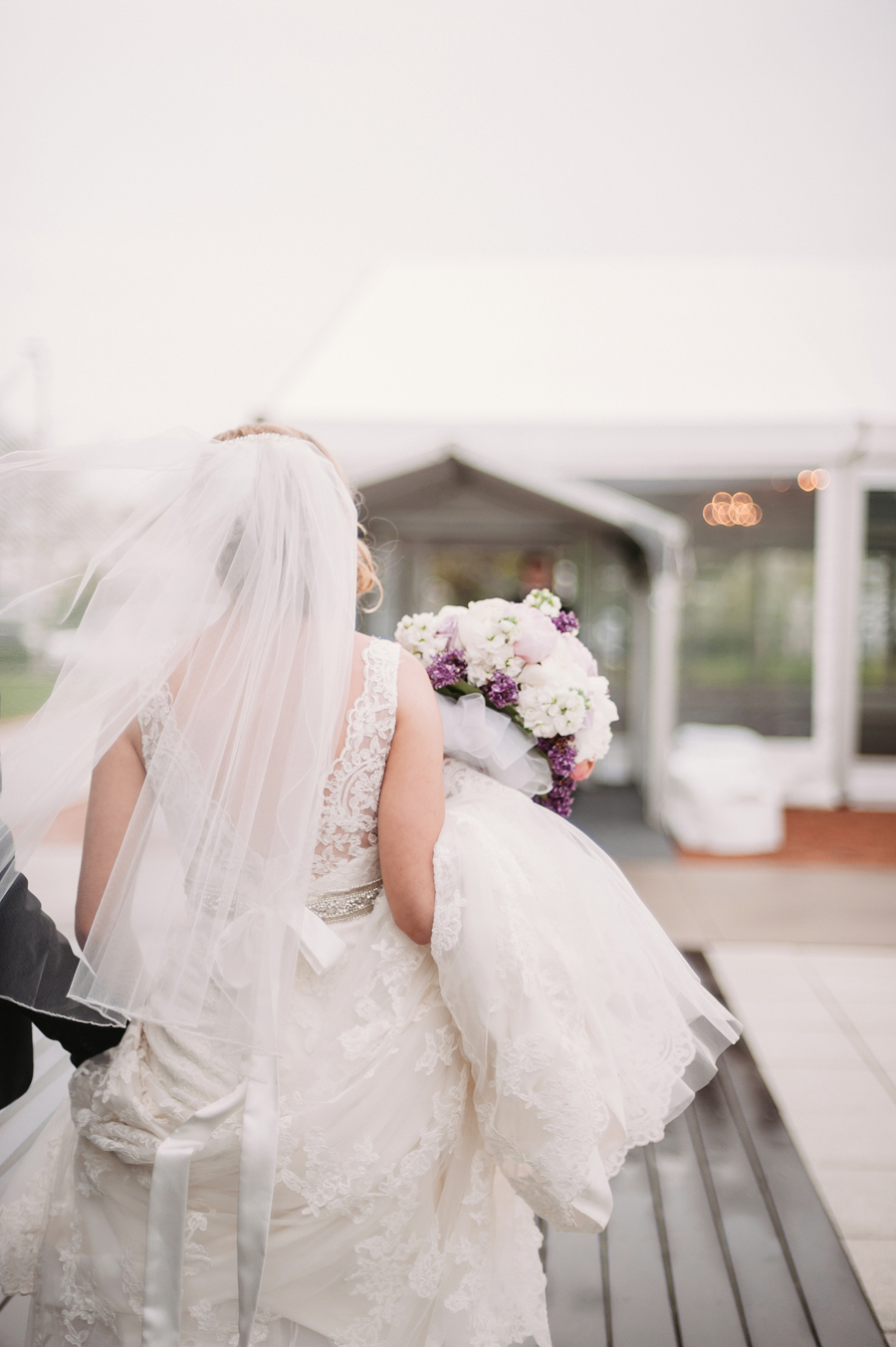 Misty Milwaukee Wedding at Discovery World by Chicago Photographers Two Birds Photography025