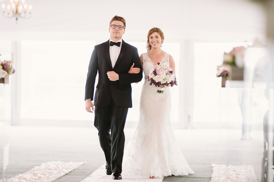 Misty Milwaukee Wedding at Discovery World by Chicago Photographers Two Birds Photography026