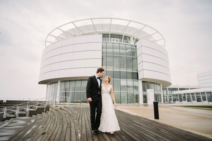 Misty Milwaukee Wedding at Discovery World by Chicago Photographers Two Birds Photography033