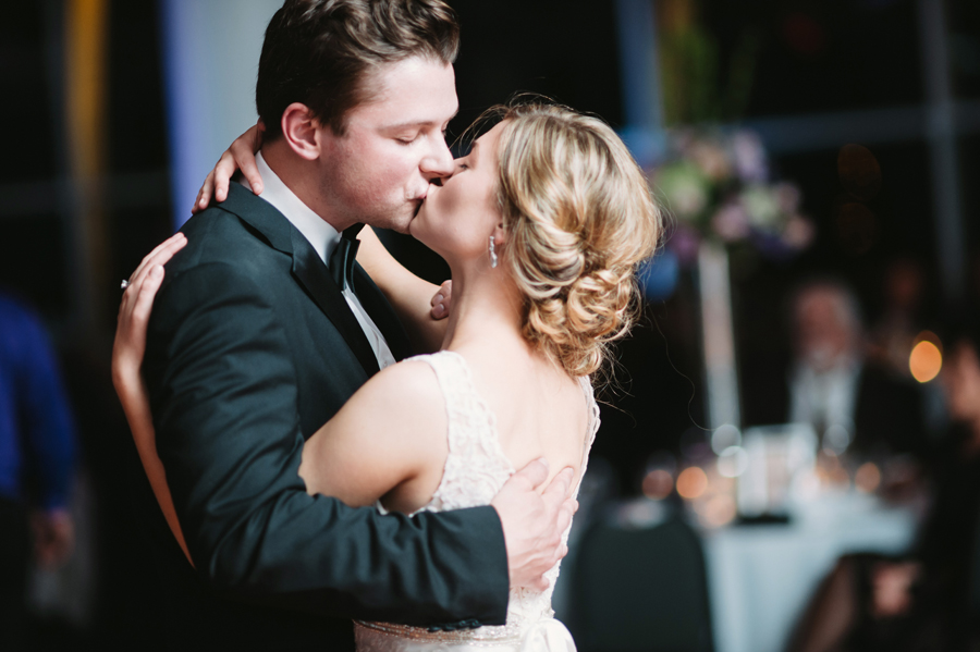 Misty Milwaukee Wedding at Discovery World by Chicago Photographers Two Birds Photography039